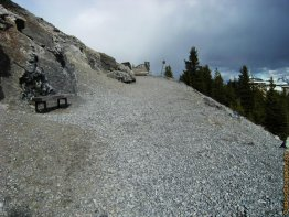 hiking/sulphur-mountain-via-cosmic-ray-road/stair.jpg