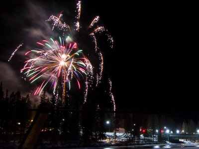 attractions/banff-new-years-eve-fireworks/banff-fireworks-13.jpg