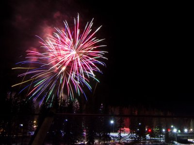 attractions/banff-new-years-eve-fireworks/banff-fireworks-9.jpg