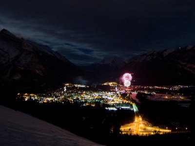 attractions/banff-new-years-eve-fireworks/new-years-banff-26.jpg