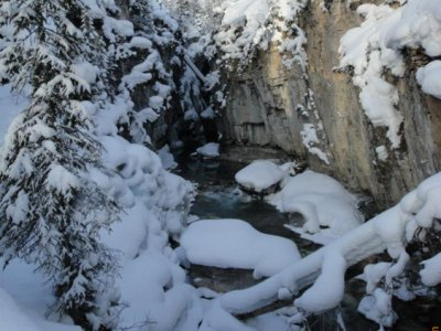 attractions/discover-banff-tours-marble-canyon/marble-canyon-2.jpg