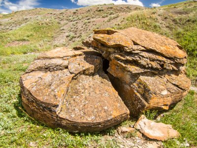 attractions/red-rock-coulee/southern-alberta-56.jpg