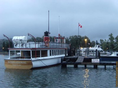 attractions/waterton-lakeshore-cruise/waterton-tour-boat-5.jpg