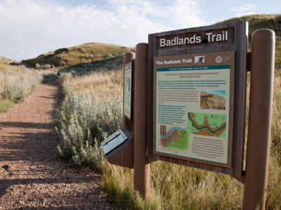 hiking/badlands-trail/badlands-trail-1.jpg