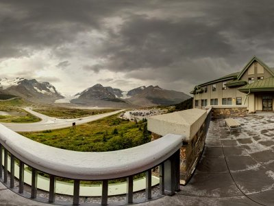 attractions/columbia-icefields-centre/columbia-icefields-center.jpg